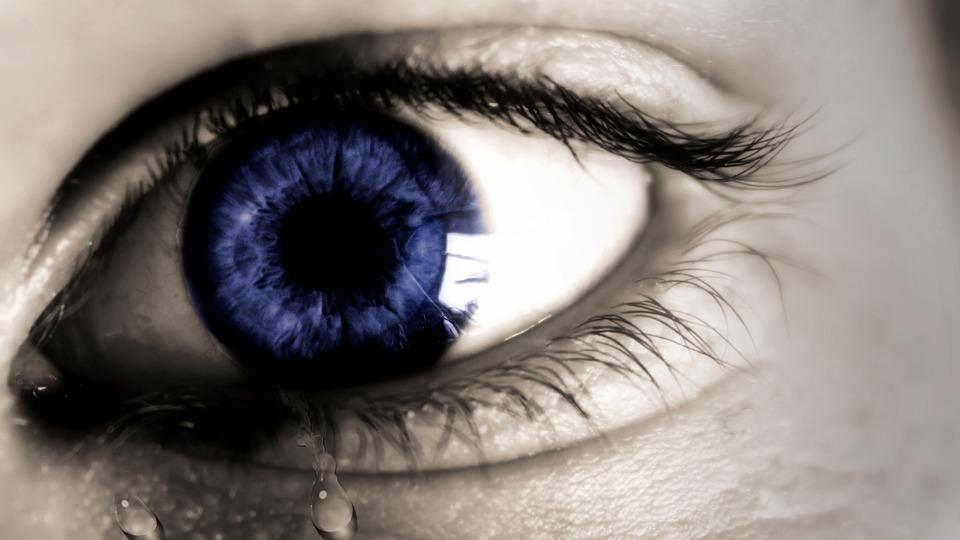 Perché la tristezza è l'emozione più duratura